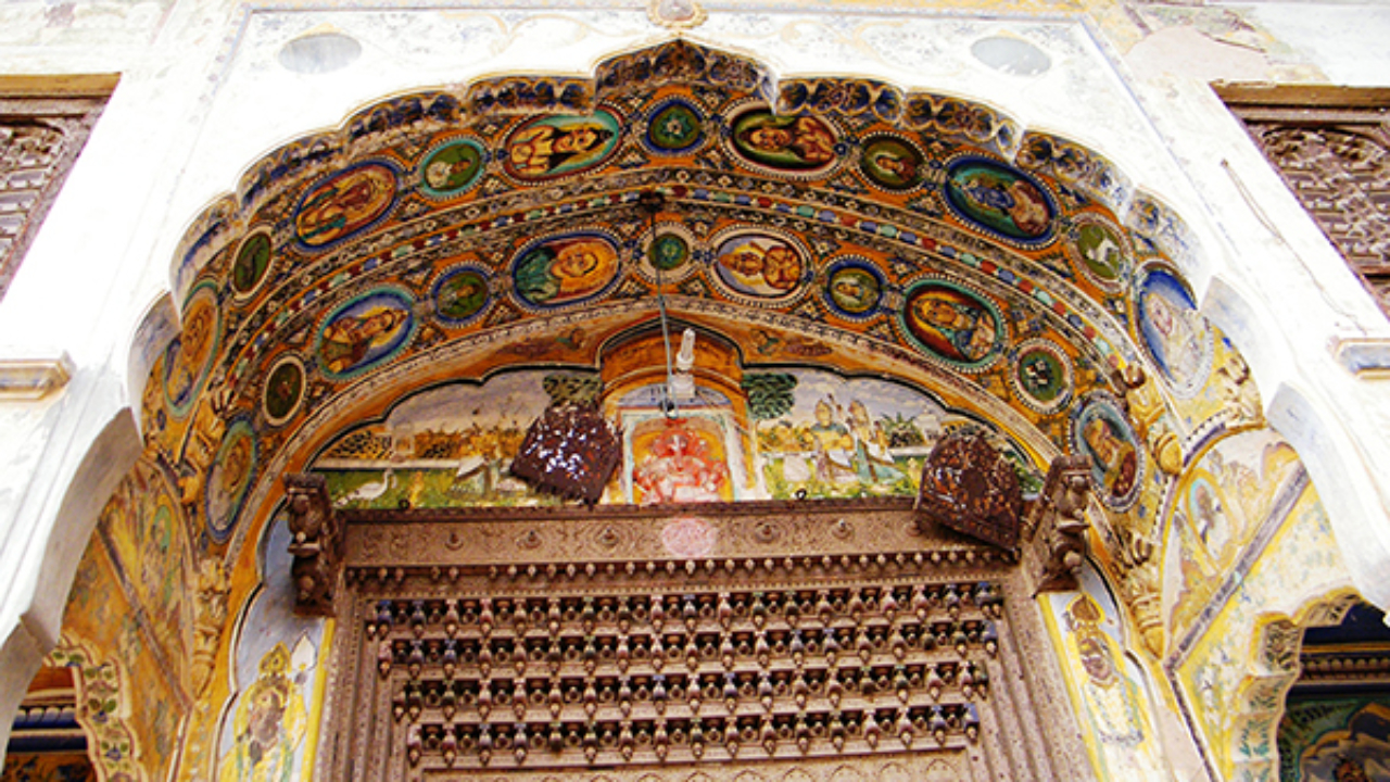 Details of painting on a haveli entrance