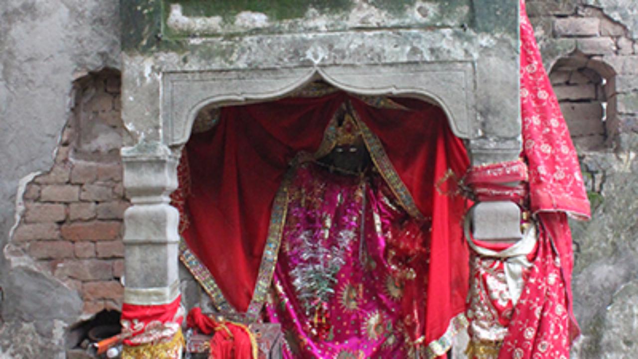 Jhandewala Temple, Dholbaha
