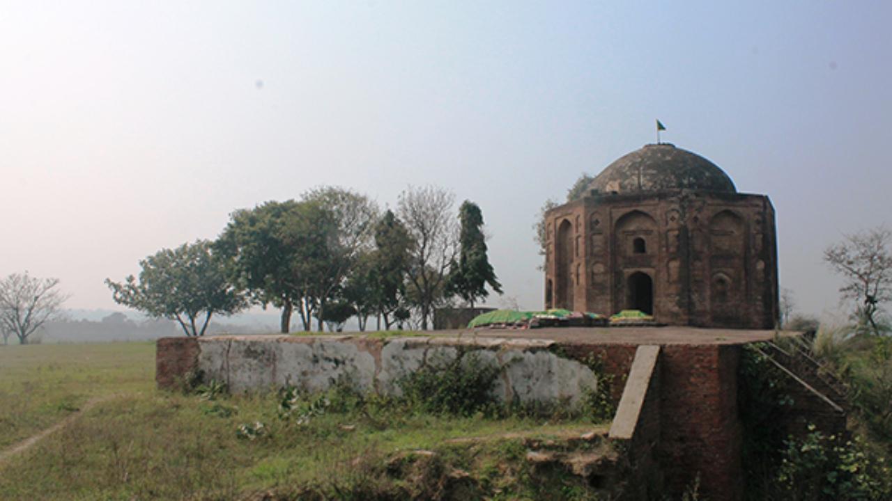 Nawab Bahadur Khan Tomb