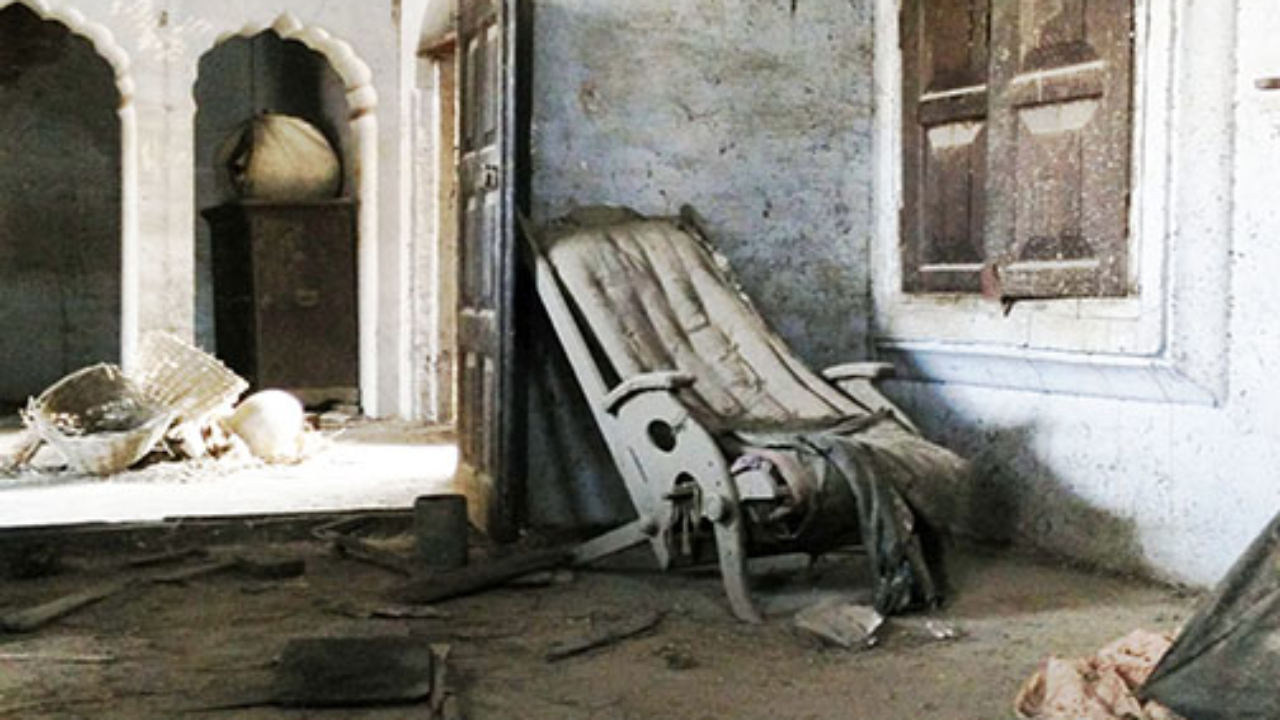 Old furniture in the haveli