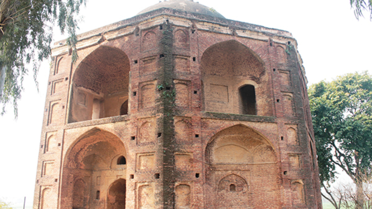 Tomb of Alawal Khan